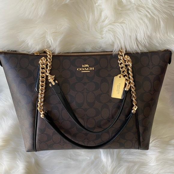 Coach Handbags - SOLD 😇Coach New York Shoulder bag 💯% Authentic